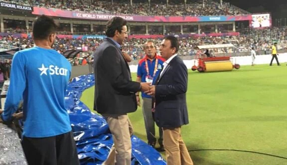 Legends greet each other - India vs Pakistan WC T-20